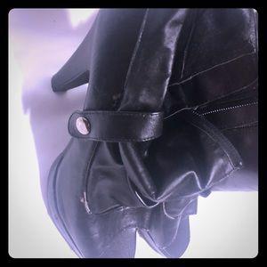 Women's black heels size 7 1/2